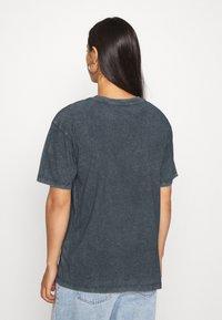 Topshop - SNOOP DOG FACE - T-shirts print - black - 2