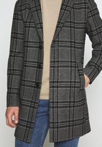 Jack & Jones PREMIUM - JPRBLAMOULDER CHECK - Classic coat - dark grey melange - 5