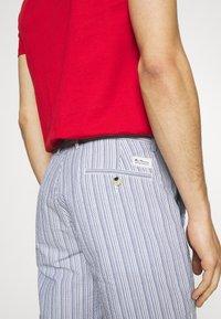 Ben Sherman - SEERSUCKER - Shorts - indigo - 6