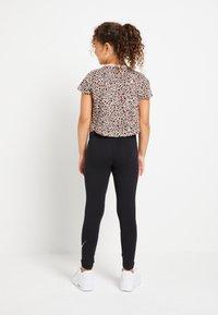 Nike Sportswear - TEE CROP  - Print T-shirt - fossil stone/black - 2