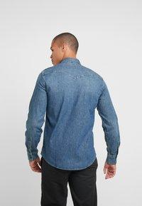 Levi's® - BARSTOW WESTERN - Shirt - bruised indigo mid - 2