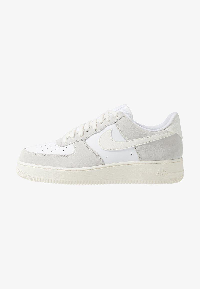 Nike Sportswear - AIR FORCE 1 LV8  - Sneakersy niskie - white/sail/platinum tint
