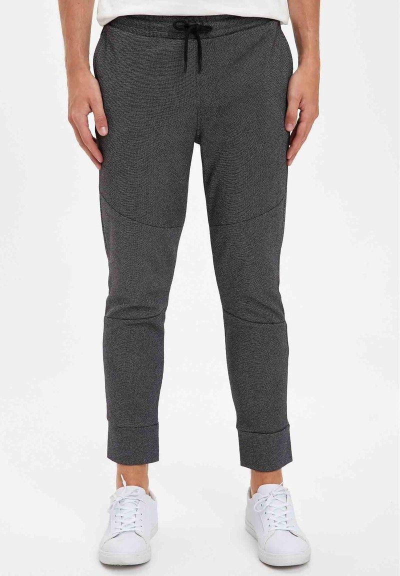 DeFacto Fit - Tracksuit bottoms - grey