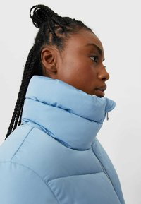 Stradivarius - MIT ROLLKRAGEN - Winter jacket - blue - 3