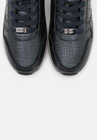 Mexx - EFLIN - Sneakers basse - navy - 5