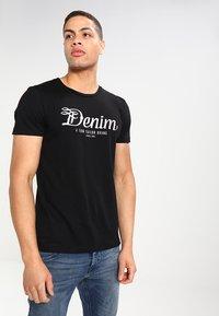 TOM TAILOR DENIM - CREWNECK TEE - T-shirt con stampa - black - 0
