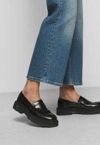 Boyish - MIKEY WIDE LEG - Flared Jeans - mirror - 4
