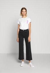 YOURTURN - T-shirt med print - white - 9