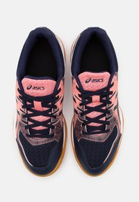 ASICS - GEL ROCKET 9 - Volleyball shoes - guava/midnight - 3