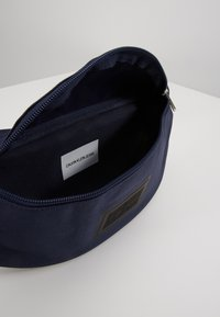 Calvin Klein Jeans - SPORT ESSENTIALS STREETPACK - Bum bag - blue - 5