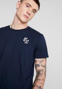 CLOSURE London - SIGNATURE TEE ONE COLOUR 2 PACK - T-shirt basic - navy - 4