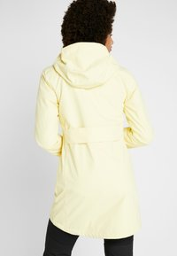 Didriksons - FOLKA WOMEN'S - Waterproof jacket - light yellow - 2