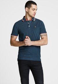 Jack & Jones PREMIUM - Polo shirt - true navy - 0