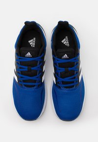 adidas Performance - RUNFALCON CLASSIC SPORTS RUNNING SHOES - Neutrale løbesko - royal blue/footwear white/core black - 3