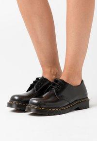 Dr. Martens - 1461 - Šněrovací boty - silver arcadia - 0