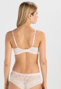 Heidi Klum Intimates - MADELINE - Underwired bra - vintage cream - 2