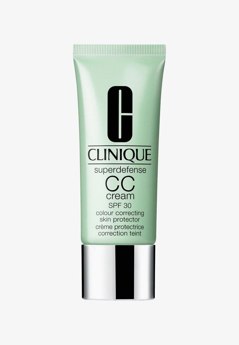 Clinique - SUPERDEFENSE CC CREAM SPF30 40ML - CC cream - 3 light-medium