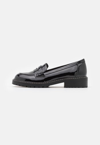 FLEX CHUNKY LOAFER