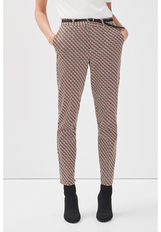 7/8 BUNDHOSE - Pantalon classique - beige clair