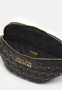 Versace Jeans Couture - MALLORY BELTBAG - Bum bag - nero - 3