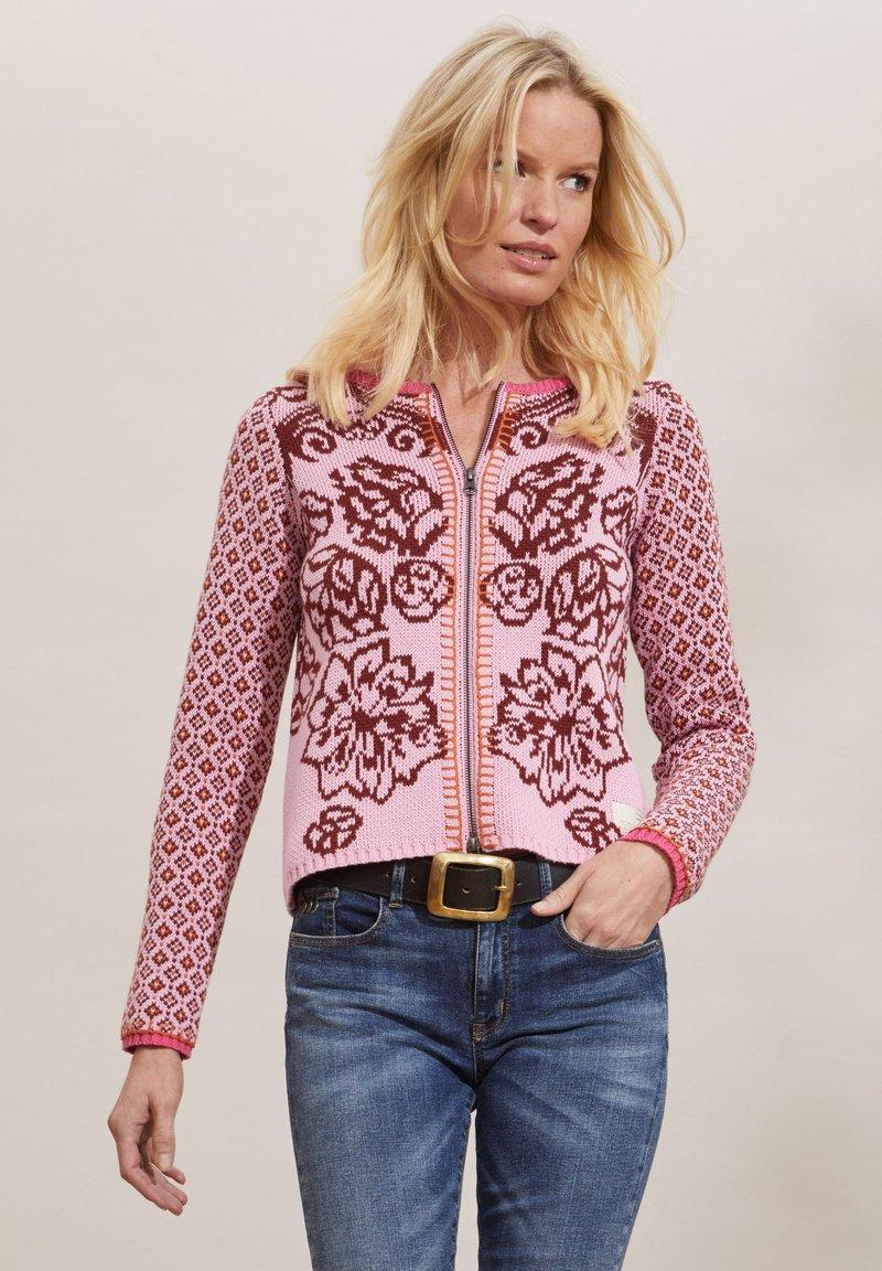 Odd Molly - DIANA - Strikjakke /Cardigans - flirty pink