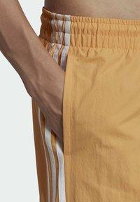 adidas Originals - ADICOLOR CLASSICS 3-STRIPES SWIM SHORTS - Shorts da mare - orange - 3