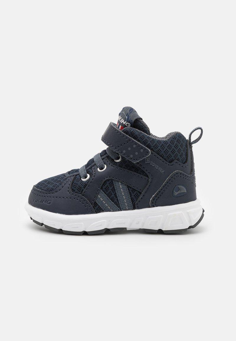 Viking - ALVDAL MID GTX UNISEX - Hiking shoes - navy/charcoal