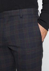 Ben Sherman Tailoring - OVERCHECK SUIT SLIM FIT - Oblek - navy - 10