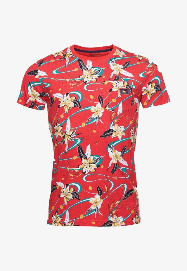 T-shirt med print - red aop