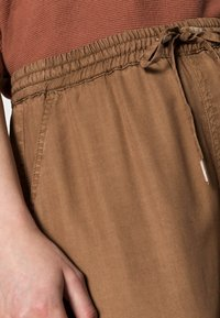 Opus - MABOU - Trousers - maple - 4