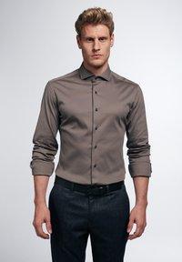 Eterna - SLIM FIT - Formal shirt - taupe - 0