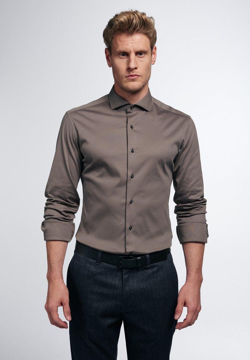 Eterna - SLIM FIT - Formal shirt - taupe