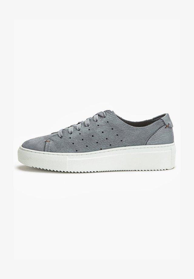 Sneakers laag - nb smoke usm