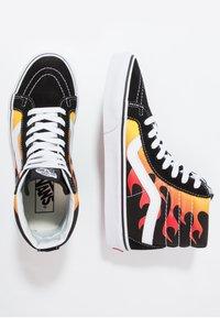 Vans - SK8-HI REISSUE - Zapatillas altas - black/true white - 1