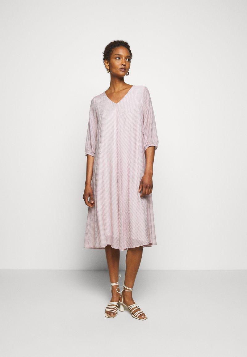 Bruuns Bazaar - SERA ALIN  - Day dress - soft lavender