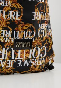 Versace Jeans Couture - LINEA HERITAGE - Rygsække - black/gold - 6