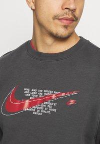 Nike Sportswear - COURT CREW - Sweatshirt - anthracite - 4