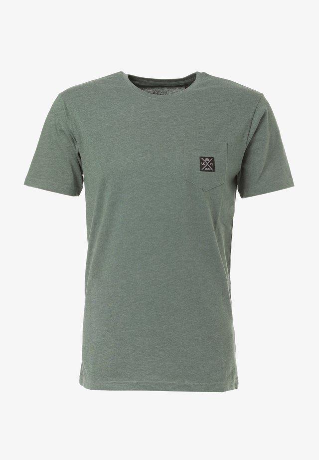 MATOPO - Basic T-shirt - pine green mel