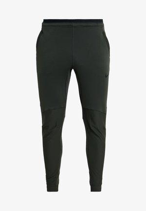 PANT - Jogginghose - sequoia