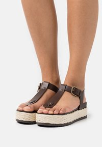Marc O'Polo - ILARIA - T-bar sandals - dark brown - 0