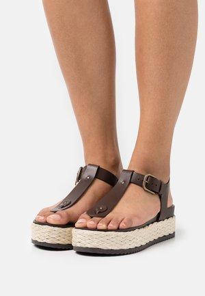 ILARIA - Varvassandaalit - dark brown