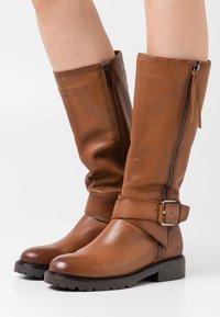 Carmela - LADIES BOOTS  - Cowboy-/Bikerlaarzen - camel - 0