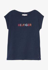 Tommy Hilfiger - MULTI COLOUR GRAPHIC TEE - Camiseta estampada - blue - 2