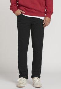 Volcom - VORTA - Straight leg jeans - black - 0