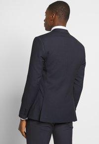 Isaac Dewhirst - BIRDSEYE SUIT - Suit - dark blue - 3