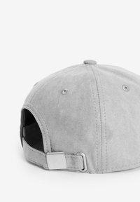 Next - Cap - grey - 1