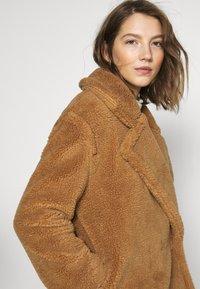 ONLY - ONLEVELIN LONG COAT  - Classic coat - rubber - 4