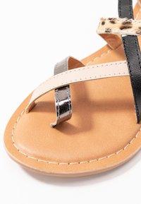 New Look - HAMMOCK - Sandaler m/ tåsplit - multi coloured - 2