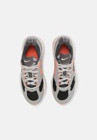 Nike Sportswear - AIR MAX GENOME UNISEX - Tenisky - light smoke grey/iron/bright mango/summit white - 3