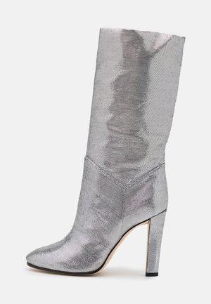 High heeled boots - dark grey